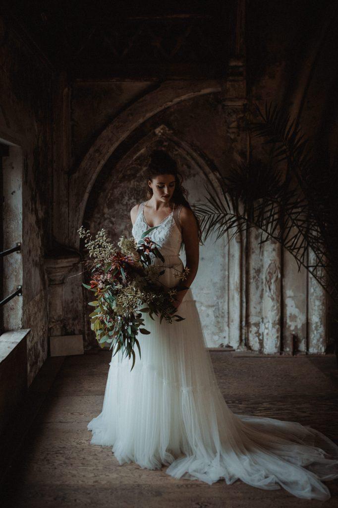 Bruidsjurken Utrecht.Boho Bridalshoot In De Metaal Kathedraal Utrecht Joran Looij