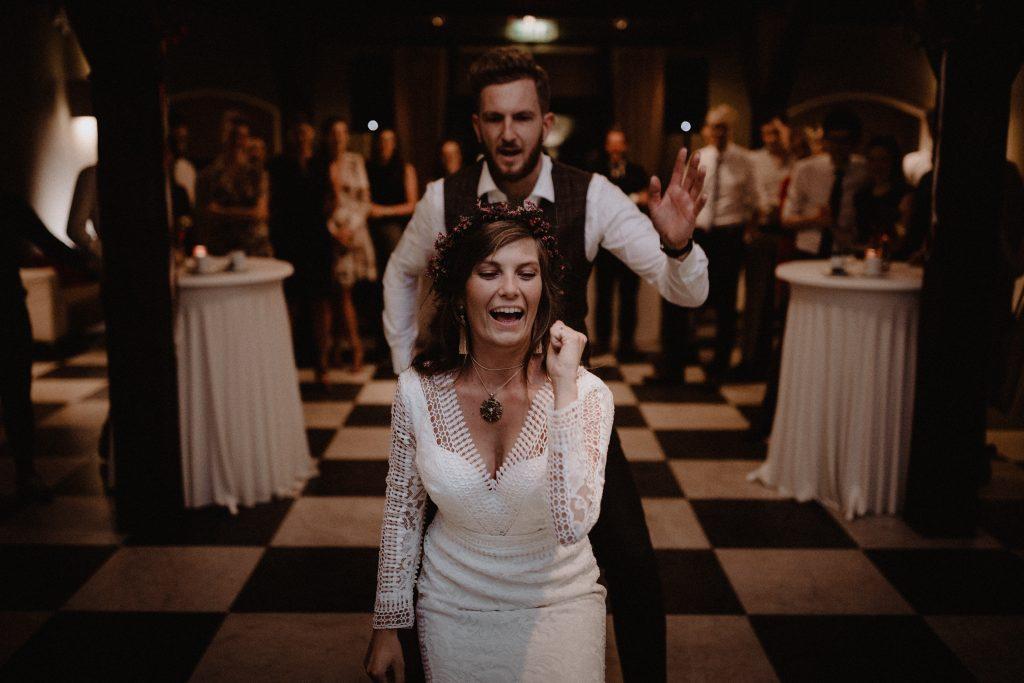 bohemian wedding trouwen ouddorp rotterdam moerkapelle land van belofte first dance party