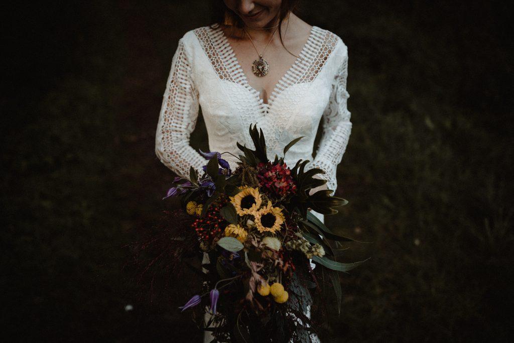 bohemian wedding trouwen ouddorp rotterdam moerkapelle weddingshoot bos duinen trouwboeket