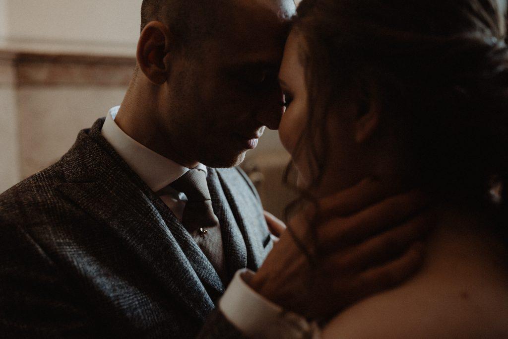 stadsbruiloft trouwen rotterdam zuid kop van zuid hotel new york weddingshoot