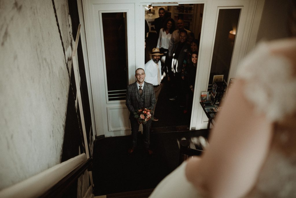 stadsbruiloft trouwen rotterdam zuid kop van zuid hotel new york first look