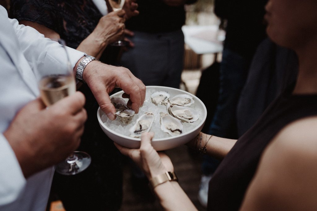 wedding antwerp citywedding wedding photographer belgium toast pakt antwerp racine