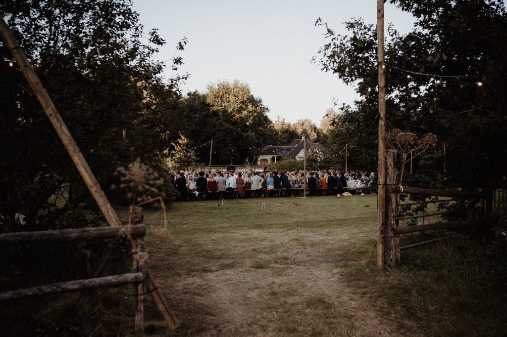 trouwfotograaf veluwe festivalbruiloft tuin diner