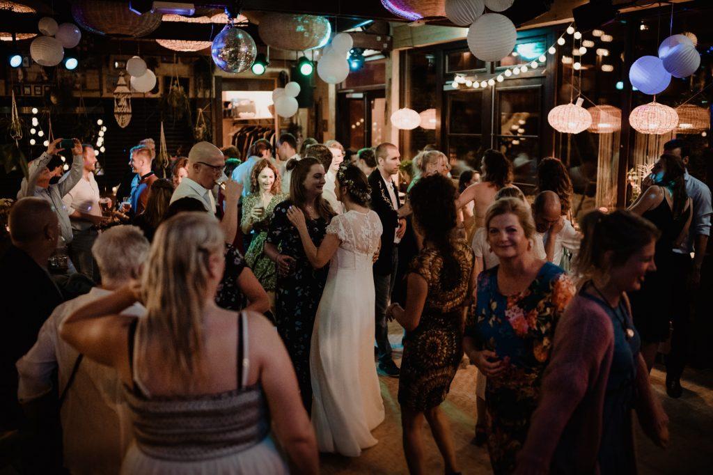 bohemian bruiloft strand aloha beach wijk aan zee shoot feest